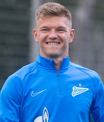 Zenit v Arsenal: Oleg Shatov scores his first Zenit goal in a year